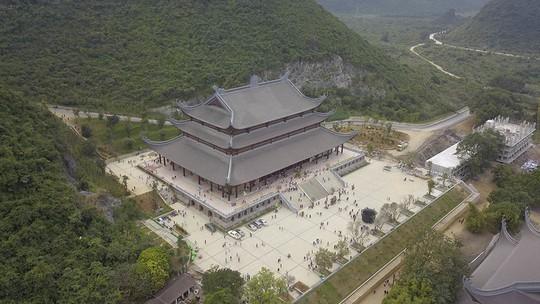 Ngôi chùa lớn nhất thế giới ở Hà Nam đón hàng vạn lượt khách - Ảnh 9.