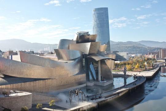 10 tòa nhà méo mó, vặn vẹo như chỉ có trong phim viễn tưởng - Ảnh 10.