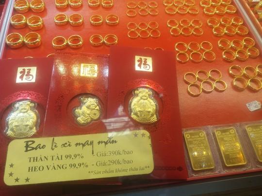 Sát ngày Thần Tài, vàng nhẫn bị thổi giá cao hơn vàng miếng - Ảnh 1.