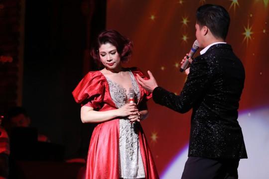Thanh Thảo – Quang Dũng tái hợp trên sân khấu ngày tình nhân - Ảnh 2.