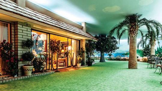 Bên trong căn nhà dưới lòng đất có giá hơn 417 tỷ đồng - Ảnh 19.