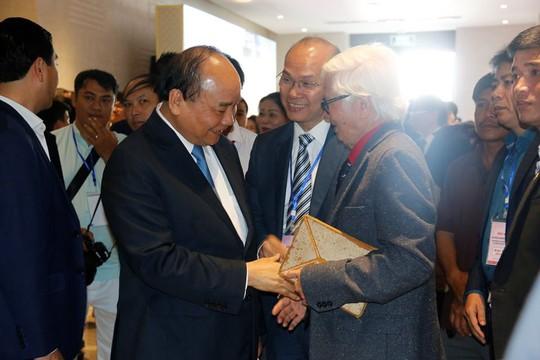 Thủ tướng Nguyễn Xuân Phúc: Đừng để chặt chém trở thành thương hiệu ở các địa phương - Ảnh 2.