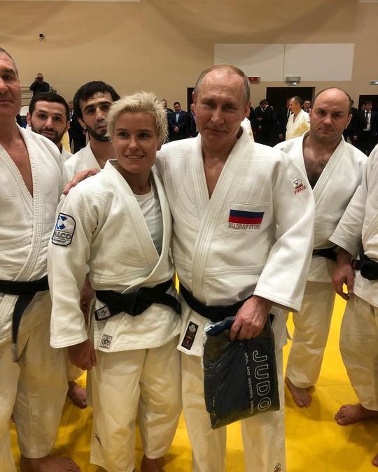 Chân dung nữ võ sĩ Judo hạ đo ván ông Putin - 1