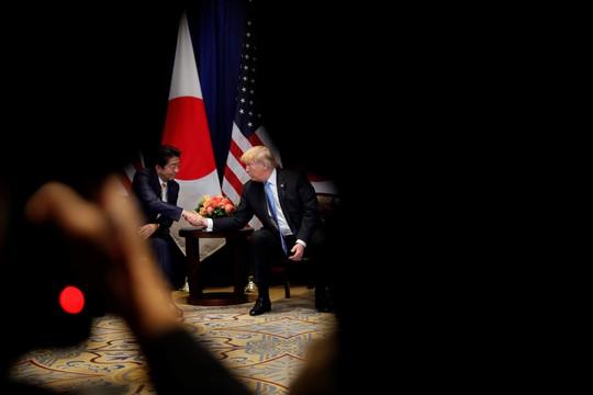 Hé lộ hậu trường vụ ông Abe đề cử Tổng thống Trump cho Giải Nobel Hòa bình - Ảnh 1.