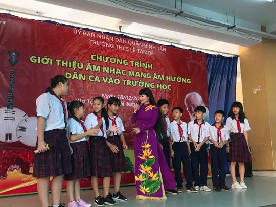 Ngọc Huyền xúc động trong chương trình vinh danh nhạc sĩ Bắc Sơn - Ảnh 2.