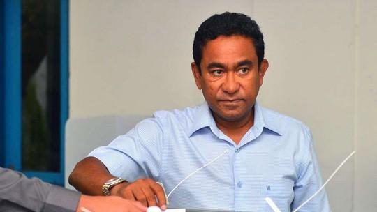 Maldives bắt cựu tổng thống thân Trung Quốc - Ảnh 1.