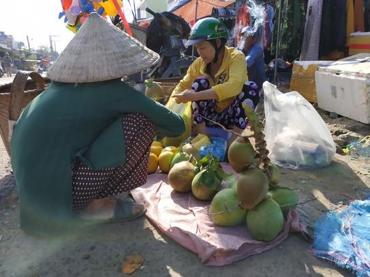 (bài dang 29 tet, gui ba hoi dong)Bồi hồi chợ quê ngày cuối năm - Ảnh 4.