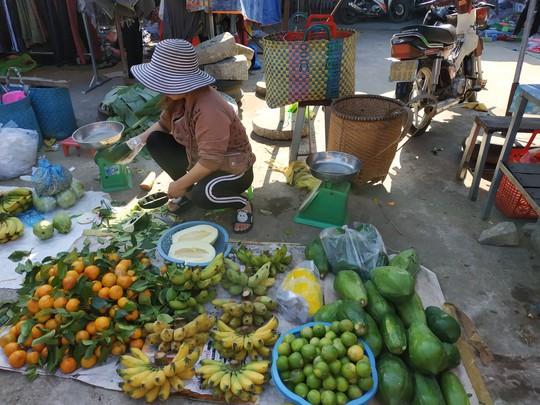 (bài dang 29 tet, gui ba hoi dong)Bồi hồi chợ quê ngày cuối năm - Ảnh 8.