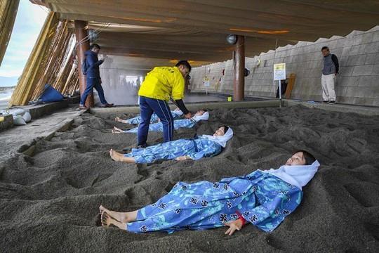 Kagoshima, vùng đất kỳ lạ với núi lửa nghìn năm - Ảnh 7.