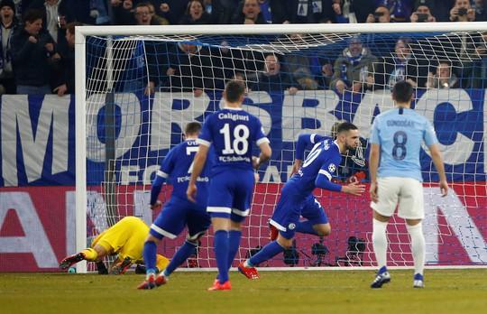 Ngược dòng điên rồ, Man City hạ Schalke 04 trên đất Đức - Ảnh 3.