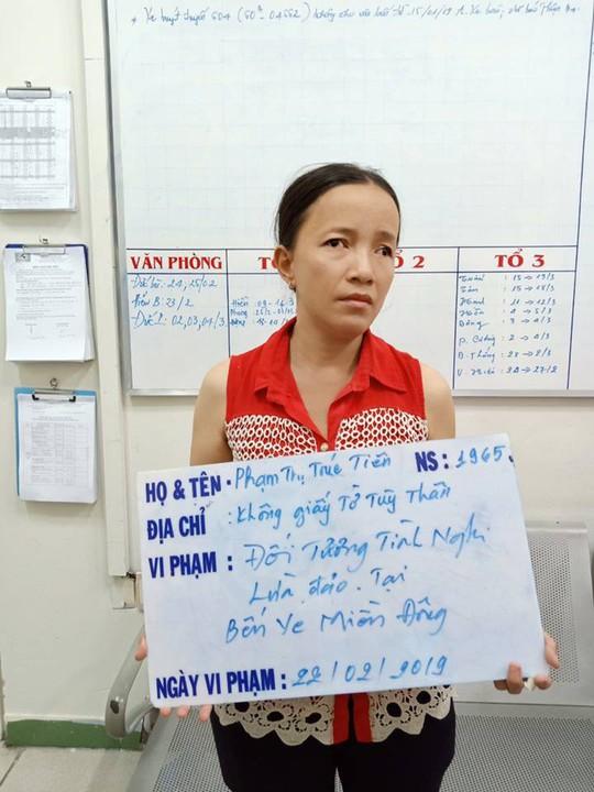 Bắt người đàn bà đánh thuốc mê hành khách ở Bến xe Miền Đông - Ảnh 1.
