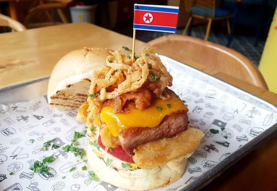 200.000 đồng cho chiếc burger Durty Donald dịp Hội nghị Thượng đỉnh Mỹ-Triều - Ảnh 2.