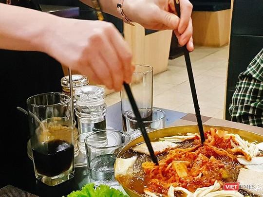 Khám phá món ăn ở nhà hàng Triều Tiên tại Hà Nội - Ảnh 6.