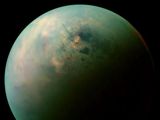Mặt trăng Titan của Sao Thổ - ảnh: NASA