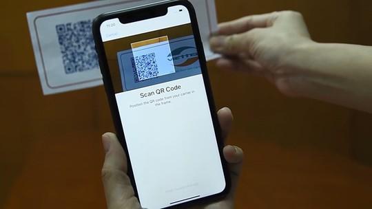 Tranh cãi việc mất eSIM khi reset iPhone tại Việt Nam - Ảnh 1.