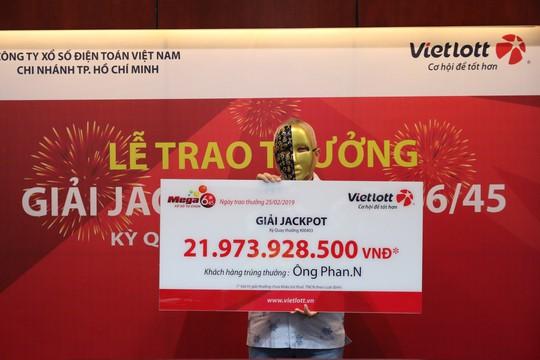 Mua vé Vietlott theo ngày sinh, số nhà, biển số xe… trúng 21,9 tỉ đồng - Ảnh 1.