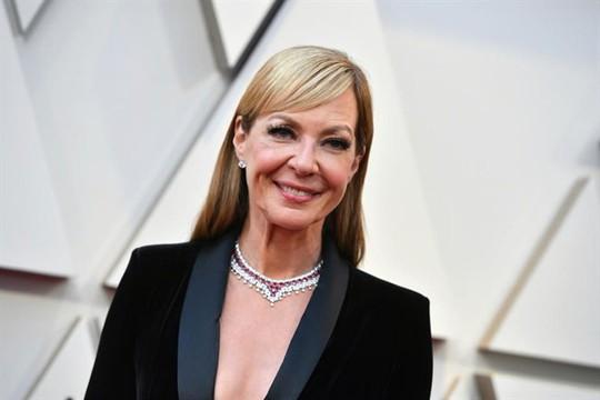 Phụ kiện to bản lên ngôi tại Oscar 2019 - Ảnh 12.
