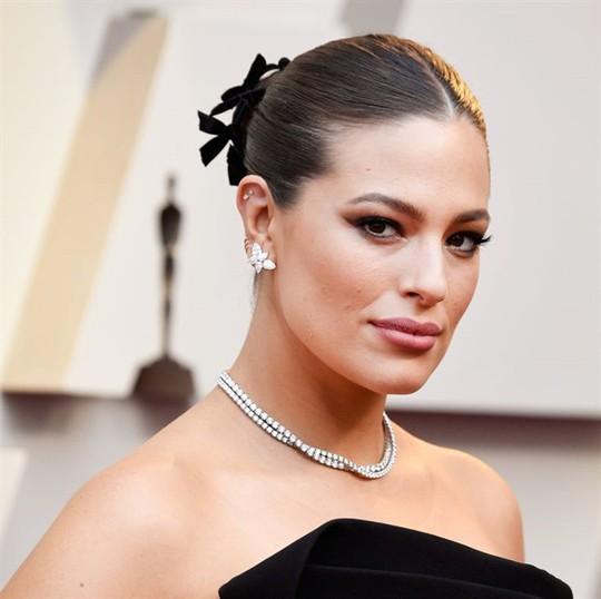 Phụ kiện to bản lên ngôi tại Oscar 2019 - Ảnh 17.