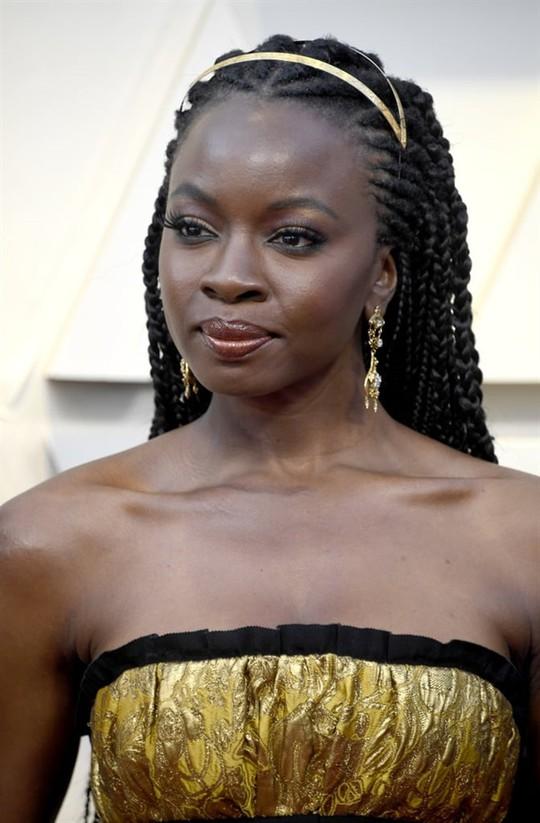 Phụ kiện to bản lên ngôi tại Oscar 2019 - Ảnh 21.