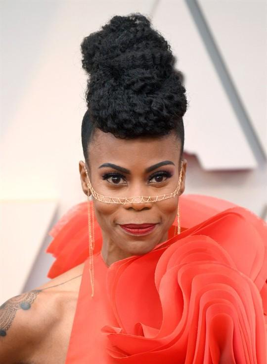 Phụ kiện to bản lên ngôi tại Oscar 2019 - Ảnh 23.
