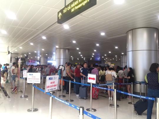 Hoãn một loạt chuyến bay giữa Việt Nam-châu Âu do đóng cửa không phận Pakistan - Ảnh 1.