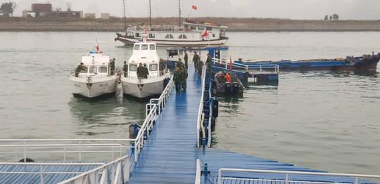 3 phó chủ tịch Đảng Lao động Triều Tiên thăm vịnh Hạ Long - Ảnh 3.