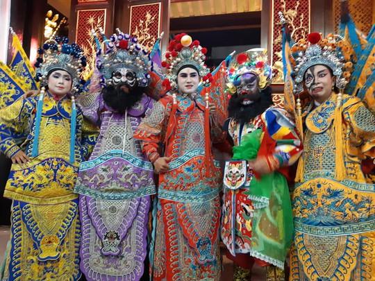 Hậu duệ gia tộc Minh Tơ nhân rộng quân số - Ảnh 5.