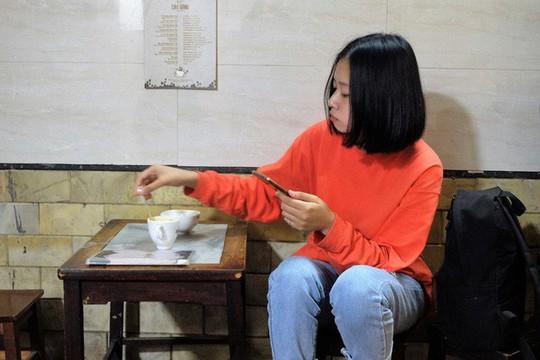 Chủ cà phê Giảng: Khách đông khủng khiếp - Ảnh 9.