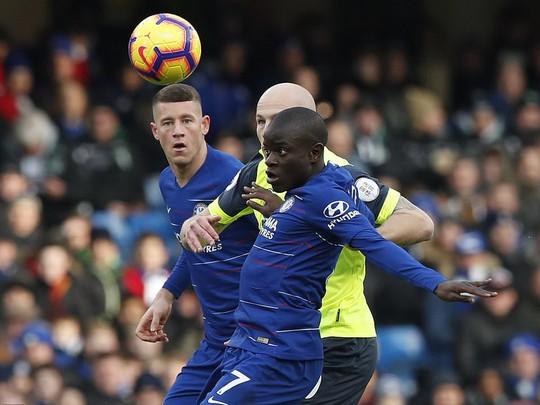 Higuain đại náo Stamford Bridge, Chelsea trở lại đường đua Ngoại hạng - Ảnh 4.