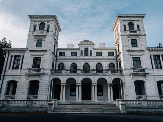 10 biệt thự bị bỏ hoang từng được coi là đỉnh cao xa xỉ - Ảnh 4.