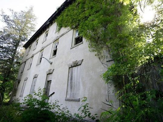 10 biệt thự bị bỏ hoang từng được coi là đỉnh cao xa xỉ - Ảnh 8.