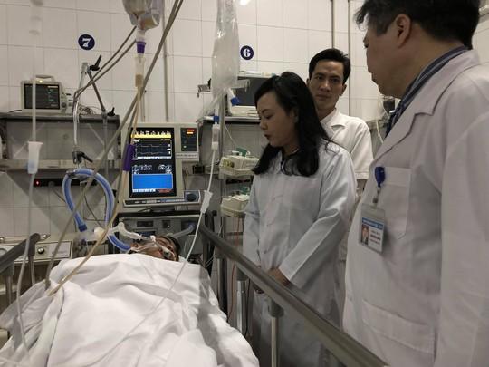 Bộ trưởng Nguyễn Thị Kim Tiến đón em bé chào đời trong đêm giao thừa - Ảnh 12.