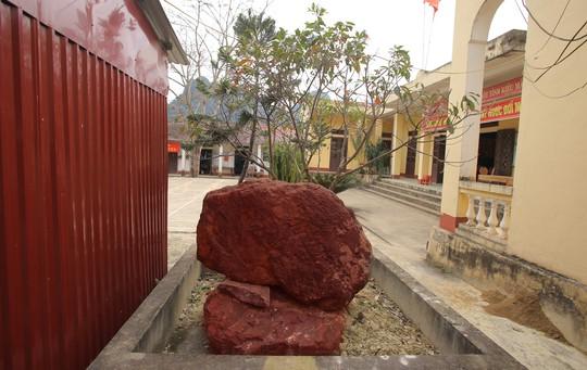 Huyền thoại 2 lá cờ đá hồng ngọc trong Lăng Bác Hồ - Ảnh 4.