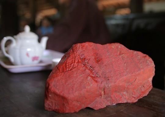 Huyền thoại 2 lá cờ đá hồng ngọc trong Lăng Bác Hồ - Ảnh 5.