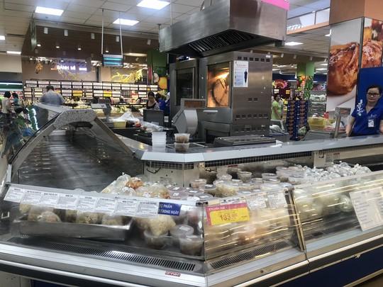 Vét sạch siêu thị sáng 30 Tết - Ảnh 4.