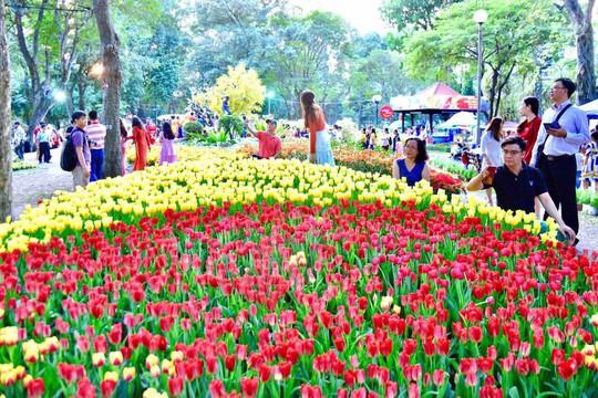 Nô nức trẩy Hội Hoa Xuân Tao Đàn - Ảnh 5.