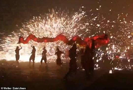 Châu Á chào đón năm mới - Ảnh 1.