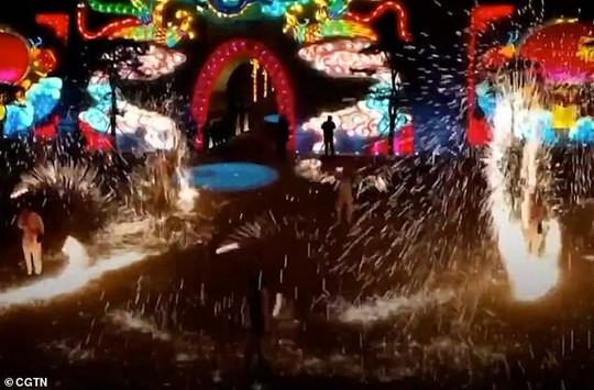 Châu Á chào đón năm mới - Ảnh 2.