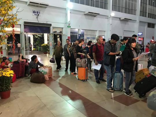 XUÂN ONLINE: Bồn chồn trên chuyến tàu cuối cùng rời ga Sài Gòn đêm giao thừa - Ảnh 3.