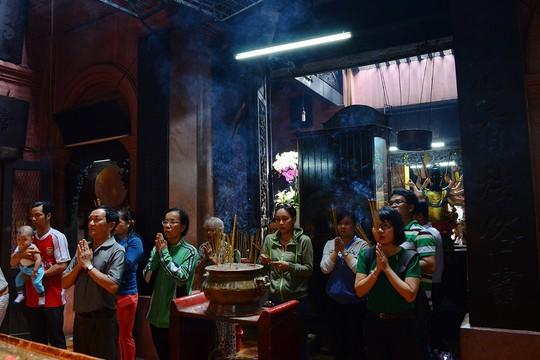 Những ngôi chùa cổ ở Sài Gòn cho chuyến hành hương đầu xuân - Ảnh 2.