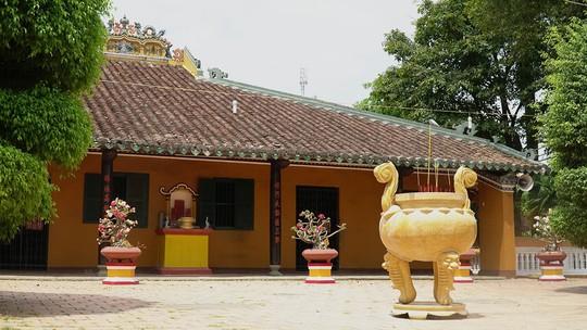 Những ngôi chùa cổ ở Sài Gòn cho chuyến hành hương đầu xuân - Ảnh 3.