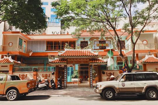 Những ngôi chùa cổ ở Sài Gòn cho chuyến hành hương đầu xuân - Ảnh 9.