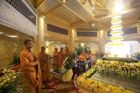 Đẹp như dáng chùa Việt trên nóc nhà Đông Dương - Ảnh 14.