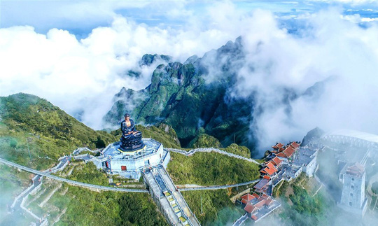 Đẹp như dáng chùa Việt trên nóc nhà Đông Dương - Ảnh 3.