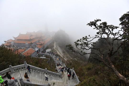 Đẹp như dáng chùa Việt trên nóc nhà Đông Dương - Ảnh 4.
