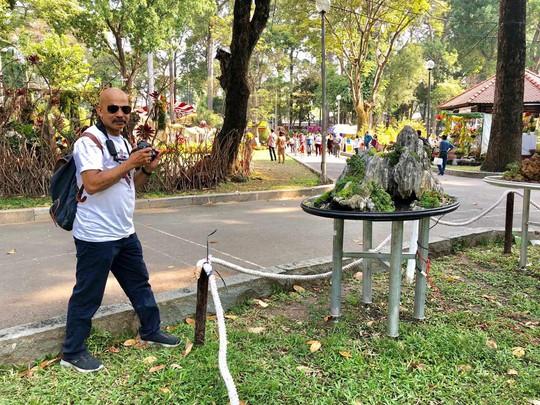 Du khách nước ngoài ca ngợi Hội Hoa Xuân Tao Đàn - Ảnh 7.