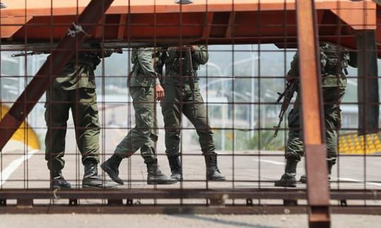 Venezuela: Lãnh đạo đối lập muốn cho nước ngoài khai thác dầu mỏ - Ảnh 2.