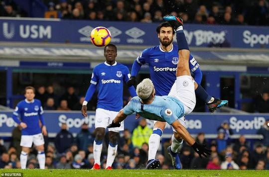 Vùi dập Everton, Man City tái chiếm ngôi đầu Ngoại hạng Anh - Ảnh 6.