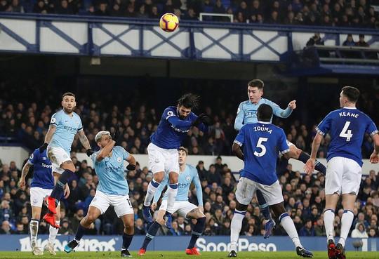 Vùi dập Everton, Man City tái chiếm ngôi đầu Ngoại hạng Anh - Ảnh 4.