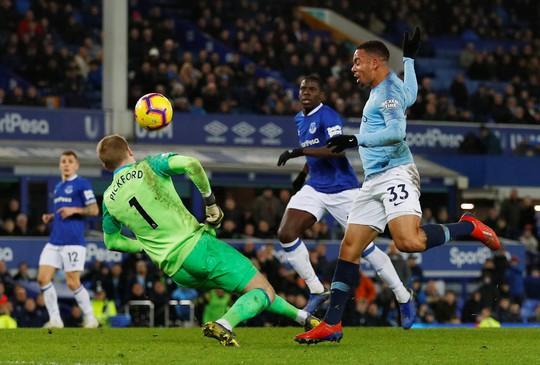 Vùi dập Everton, Man City tái chiếm ngôi đầu Ngoại hạng Anh - Ảnh 5.